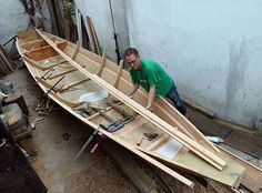 Des voiliers traditionnels en bois reviennent sur la Vistule - Lukasz Perkowski restaure un vieux « pychowka », « barque-qu'on-pousse » en polonais. Photos Janek Skarzynski