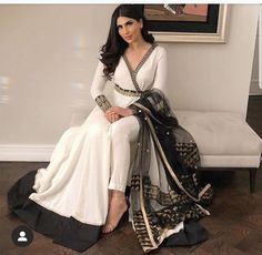 Indian Dresses, Indian Outfits, Indian Clothes, Designer Party Wear Dresses, Party Dresses, Indian Fashion, Womens Fashion, Bridal Fashion, Heavy Dresses