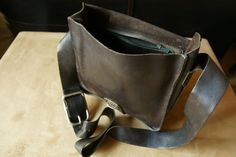 Vintage dark brown leather hand bag seventies.