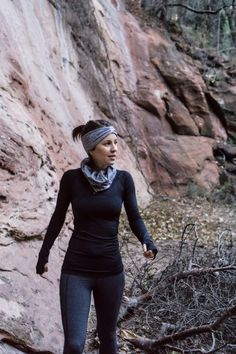 Black and grey lululemon winter running outfit Cute Running Outfit, Cute Hiking Outfit, Trekking Outfit, Summer Hiking Outfit, Jeans Outfit Summer, Summer Outfits, Running Outfits, Workout Outfits, Workout Wear