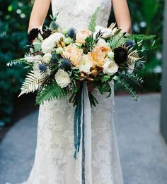 One of my favorite bouquets !!! So much good texture going on here! @foxtail_florals #foxtailflorals #socalfloraldesigner #millwick