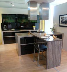 Keuken met kookeiland en volwaardige eettafel ontdek hier nog meer manieren om je kookeiland - Keuken met bar tafel ...