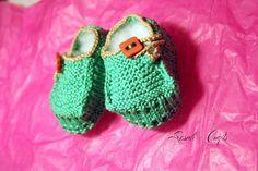 Rosalí Crafts. Accesorios personalizados.: Pack regalo patucos y chupetero