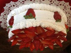 3 leches with dulce de leche w/walnut filling Buns, Cakes, Desserts, Food, Decorating Cakes, Dulce De Leche, Food Cakes, Tailgate Desserts, Deserts