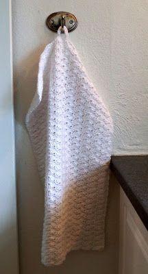 Et par nye håndklæder er hoppet af hæklenålen. Det ene var et eksperiment på et nyt mønster, som jeg synes lykkedes rigtig fint. Det ...