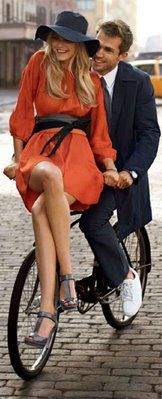 "classic chic Love this ""couples "" look ! Estilo Fashion, Look Fashion, Ideias Fashion, Boutique Fashion, Cycle Chic, Classic Chic, Orange Dress, Coral Dress, What To Wear"