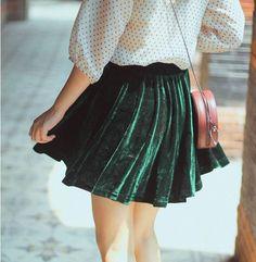 😍emerald velvet and the micro polka dot blouse Danielle Victoria, Punk Fashion, Womens Fashion, Yennefer Of Vengerberg, Velvet Skirt, Velvet Fashion, Looks Cool, Mode Style, Dress Me Up