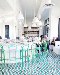 Die schönste und modernste Restaurants weltweit.Clicken Sie um mehr Restaurants Design zu entdecken.#innenarchitektur #hausdeko #schönerestaurants #bestrestaurants #restaurantwithaview #restaurantsweltweit #einrichtungsideen #wohnideen #restaurantsdesign #restaurantsideen #luxusrestaurants #luxus #teuerrestaurants   http://wohn-designtrend.de/die-besten-luxus-hotels-wien/
