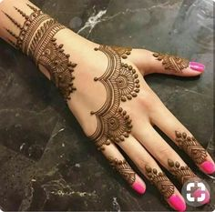 Mehndi henna designs are always searchable by Pakistani women and girls. Women, girls and also kids apply henna on their hands, feet and also on neck to look more gorgeous and traditional. Simple Arabic Mehndi Designs, Back Hand Mehndi Designs, Mehndi Designs For Beginners, Mehndi Designs For Girls, Mehndi Simple, Mehndi Designs For Fingers, Henna Designs Easy, Beautiful Mehndi Design, Latest Mehndi Designs