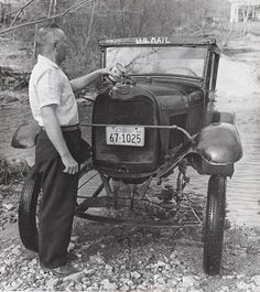 Just A Car Guy: two USPS (post office) mail carriers that weren't stopped by high water in the swamp Automobile, Old Post Office, Vintage Trucks, Vintage Auto, Ford Models, Cool Trucks, Car Ford, Old Cars, Motor Car