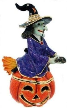 Witch On Jack O Lantern  Trinket Box