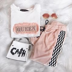 Fresh spring outfit ideas – Just Trendy Girls Lazy Outfits, Teen Fashion Outfits, Casual Summer Outfits, College Outfits, Jean Outfits, Spring Outfits, Cool Outfits, Casual Winter, Daily Fashion