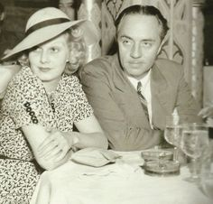 theodorafitzgerald: Jean Harlow and William Powell at the Cocoanut Grove, February 1936 Hollywood Couples, Old Hollywood Movies, Vintage Hollywood, Classic Hollywood, Hollywood Pictures, Vintage Vogue, Vintage Art, Vintage Fashion, Hooray For Hollywood