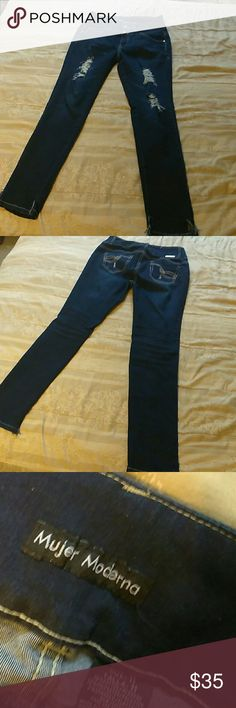 Womans jeans size 11 like new Mujer Moderna nice! Nice basically new woman's jeans size 11. Mujer Moderna brand. mujer moderna Jeans