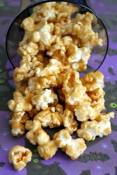 Caramel Popcorn-Made 9/9/12 without the baking soda, added a pinch of salt & baked at 300 degrees for 15 min, stir, bake 10 more minutes & stir while cooling to prevent clumps...yummy treat!!!