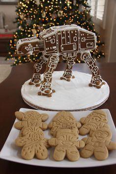 Star Wars Gingerbread At-At Gingerbread House Template, Gingerbread Village, Christmas Gingerbread House, Gingerbread Man, Star Wars Party, Star Wars Birthday, Christmas Goodies, Christmas Treats, Cake