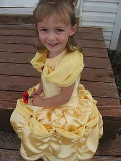 Tutorial for a dress like Belle from Beauty and the Beast. I see a future Halloween costume here...