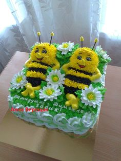 Buttercream Cupcakes, Cupcake Cakes, Bee Cakes, Fancy Cupcakes, Novelty Birthday Cakes, Barbie Cake, Animal Cakes, Cake Decorating Tips, Gorgeous Cakes