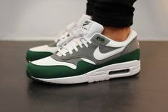 - shoes for men - chaussures pour homme - Cute Nike Shoes, Fly Shoes, Cute Nikes, Casual Sneakers, Air Max Sneakers, Sneakers Fashion, Sneakers Nike, Fashion Outfits, Nike Air Max
