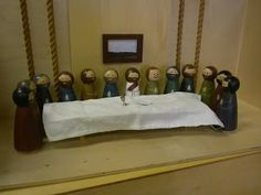 DIY Montessori Lent Presentation! This one is for the last supper! SO COOL!