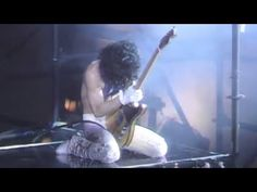 (2) Prince - Baby I'm A Star (Official Music Video) (Live from Landover, MD - November 20, 1984) - YouTube