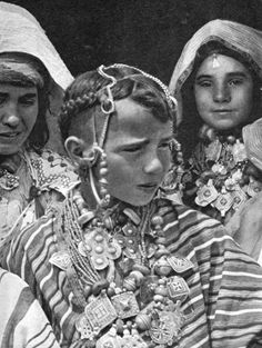 J. Robichez Berber Jewish Children, Tsar-Es Souk, High Atlas Mountains, Morocco c.1935