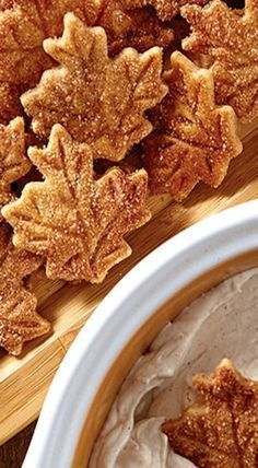 Cinnamon & Sugar Pie Crust Chips & Cinnamon Dip - one of the easiest, tastiest treats you can make for the holidays.