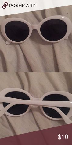 ea75502c36 white clout goggles it s in perfect condition