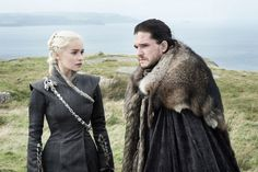 Daenerys Targaryen (Emilia Clarke) and Jon Snow (Kit Harington) from Game of Thrones Season 7 First Look: Check Out the New Pics Game Of Thrones Meme, Daenerys Game Of Thrones, Game Of Thrones Theories, Game Of Thrones Saison, Game Of Thrones Prequel, Game Of Thrones Episodes, Game Of Thrones Characters, Fan Theories, Epic Characters