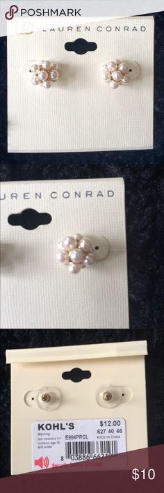 Lauren Conrad pearl earrings NWT Beautiful Lauren Conrad pearl cluster earrings. NWT LC Lauren Conrad Jewelry Earrings