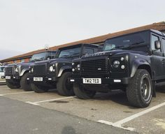 Land Rover Defender 90 Td4 Sw Se customized Twisted go to destiny. So nice all.