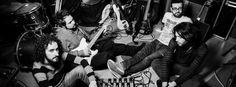 """Bludimetilene - rock e poesia emergenti.  Bandoriginaria diPomigliano D'Arco, in provincia diNapoli. Si è accorto subito di loro il produttoreMarco De Falcoe in un lampo ecco qua la loro prima produzione discografica con laFirst Floor Factory, il grande album d'esordio""""FRASTUONO"""".La musica deiBludimetileneè l'unica ragione di tutta questa velocità nel successo: il disco possiede un sound maturo, senza errori, che cattura subito le orecchie e fa innamorare i rockers più esigenti."""