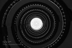 spiral out/in by RaymondMottl