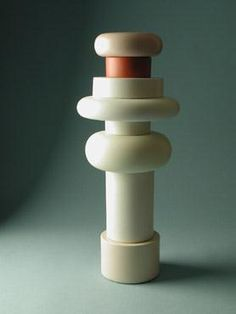 Sculpture-Totem-designed-by-Ettore-Sottsass-for-Bitossi-Italy.aspx (278×370)