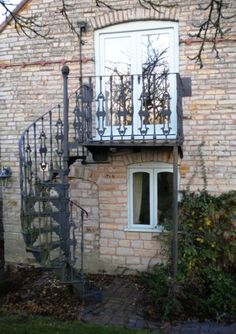 iron landing and spiral stairs Patio stair fix Pinterest