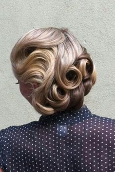 Retro Inspired Wedding Hairstyle