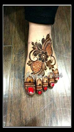 Floral Leg Design! For mehndi order bookings and classes contact 09833887817... #florallegs #fancylegs #legdesign #kinjalmehndiart #bridaldesign #bridalhenna #mehendidesign #dulhanmehndi #weddmegood #weddingsutra #weddingday #marraige #bodyart #trendyart #hennatattoo #latestfashion #newconcept #latestdesign #hennadesign
