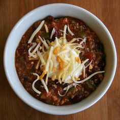Warming, Healthy Comfort: Spicy Chicken Chili. Only 350 calories a serving? I'll take that!