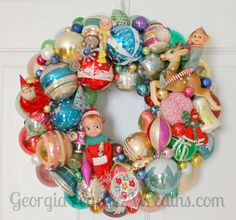 Elves make the wreath go round!
