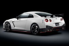 The 2015 Nissan GT-R Nismo Is Unveiled and Takes a Lap of the Nürburgring
