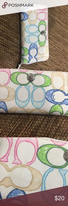 Coach scribble wallet This wallet is pretty dirty canvas material. 8x4 Coach Bags Wallets
