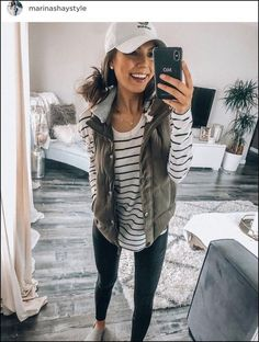 black and white striped shirt, army green vest, leggings, gray slip ons - Outfits with leggings Beauty And Fashion, Look Fashion, Fashion Models, Feminine Fashion, Fashion Black, Fall Fashion, Fashion Trends, Casual Fall Outfits, Fall Winter Outfits