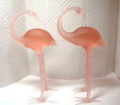 Gorgeous Pink Art Glass Flamingo Figurines by Xulha Flamingo Decor, Pink Flamingos, Red And Pink, Pretty In Pink, Glass Figurines, Pink Bird, Carnival Glass, Bird Feathers, Beautiful Birds