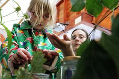 kate explains the mysteries of the plant world Photo by Ric Mellis