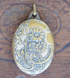 Antique French Mirror Locket Art Nouveau Era by LaComtesseDeTalaru