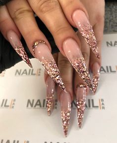 day nails coffin bling Glitter shards Valentine's Working day is taken into account considered one of my favourite situations to share with my Bling Acrylic Nails, Glam Nails, Hot Nails, Best Acrylic Nails, Fancy Nails, Bling Nails, Glitter Nails, Pink Glitter, Gorgeous Nails