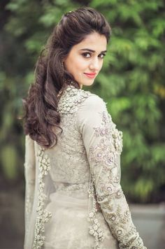 Hot and sexy Bollywood movie Actress and model Disha patani very cute beautiful photos and wallpapers with navel boobs show in saari bikini. Men's Fashion, Fashion Week, Fashion Gallery, Fashion Trends, Beautiful Indian Actress, Beautiful Actresses, Beautiful Celebrities, Bollywood Celebrities, Bollywood Actress