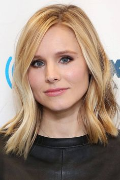 For those of us who have seen Veronica Mars, we know that she can do anything. That includes rocking this trendy hairstyle with grace. | See more celebrity lobs here: http://www.mywedding.com/articles/14-celebrity-lob-hairstyles-for-weddings/?utm_source=pinterest&utm_medium=social&utm_campaign=fashion_style