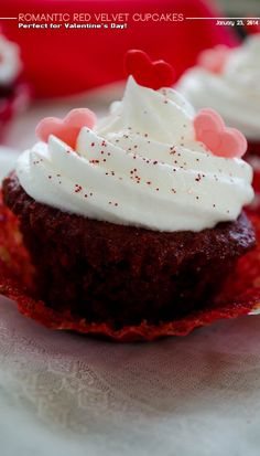 Romantic red velvet cupcakes with buttermilk | giverecipe.com | #cupcake #valentine #romantic #redvelvet