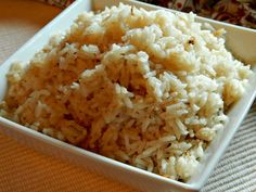 Po turski jer sam recept uzela od tetke iz Turske. Rižu dobro operite i ocijedite. U šerpu stavite puter da se otopi. Dodajte rižu i popržite dok ne...